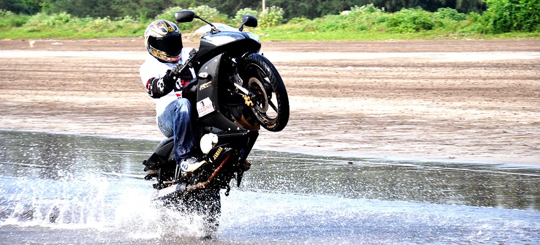 DzoneWorld-Yamaha R15